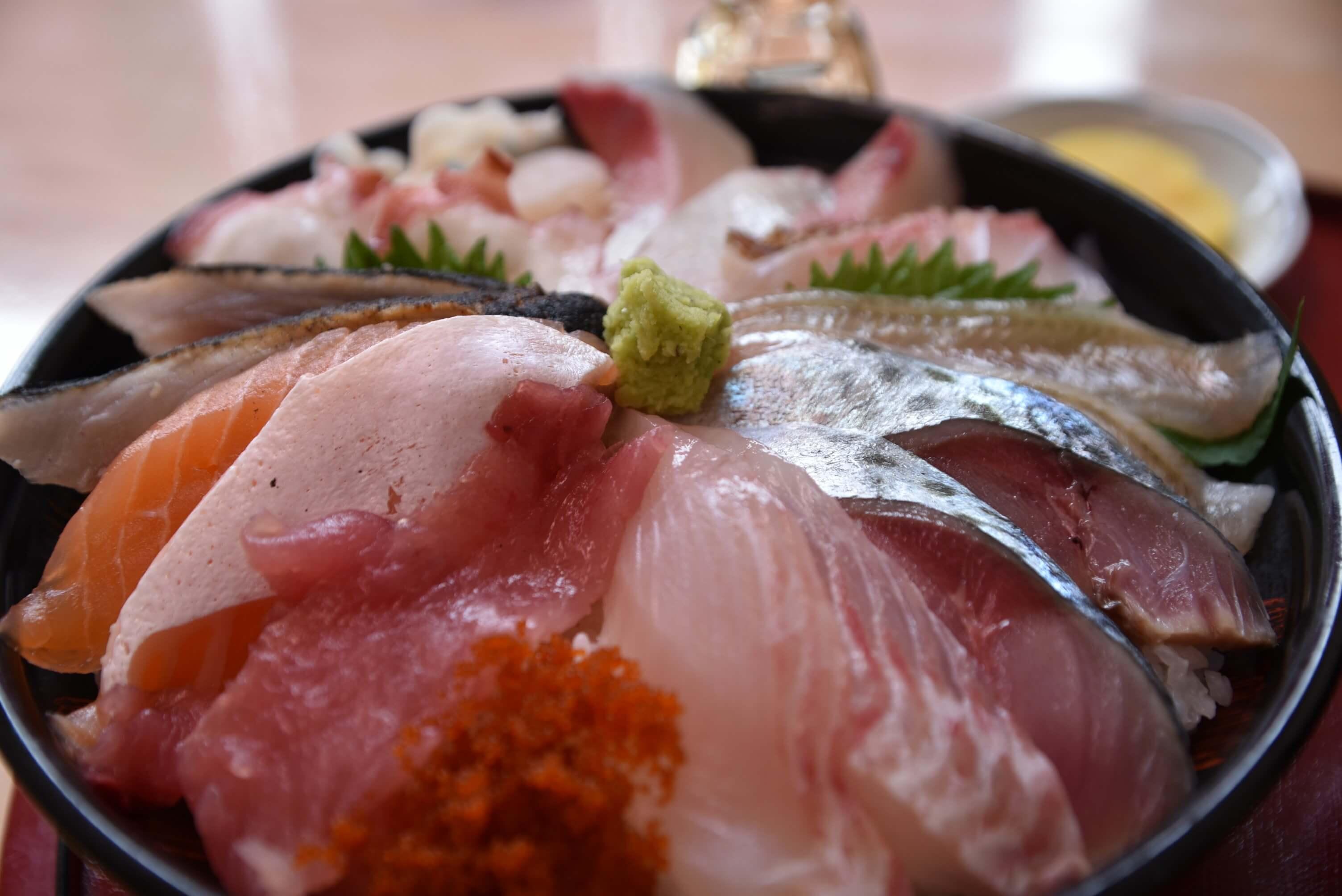 【鳥取県・鳥取市】鳥取砂丘の側にある「鯛喜」さんで海鮮丼を食べてきた。   Sushi Sakana design